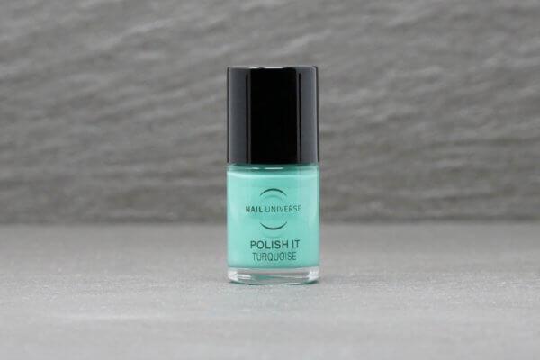 Nagellackflasche mit Nagellackfüllung in Turquoise
